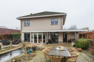 Bekijk woning te huur in Breda Laagsteen, € 2250, 200m2 - 361768. Geïnteresseerd? Bekijk dan deze woning en laat een bericht achter!