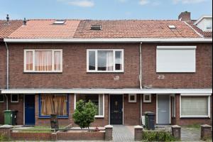 Bekijk woning te huur in Eindhoven Korianderstraat, € 1100, 98m2 - 290800. Geïnteresseerd? Bekijk dan deze woning en laat een bericht achter!