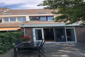 View house for rent in Amstelveen Logger, € 2000, 150m2 - 371923. Interested? check out this house and leave a message!