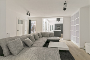 View apartment for rent in Amsterdam Derde Looiersdwarsstraat, € 2900, 100m2 - 388294. Interested? check out this apartment and leave a message!