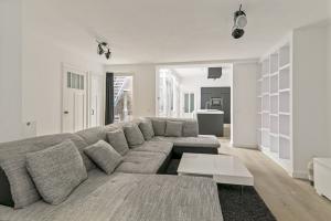 Bekijk appartement te huur in Amsterdam Derde Looiersdwarsstraat, € 2900, 100m2 - 388294. Geïnteresseerd? Bekijk dan deze appartement en laat een bericht achter!