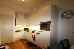 Bekijk appartement te huur in Leiden Hugo de Grootstraat, € 1395, 65m2 - 378348. Geïnteresseerd? Bekijk dan deze appartement en laat een bericht achter!