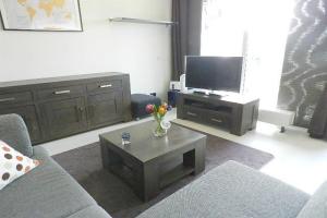 Bekijk appartement te huur in Vijfhuizen Vesting, € 1195, 65m2 - 395430. Geïnteresseerd? Bekijk dan deze appartement en laat een bericht achter!