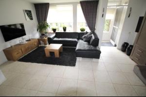 Bekijk woning te huur in Enschede Bekspringhoek, € 950, 110m2 - 297050. Geïnteresseerd? Bekijk dan deze woning en laat een bericht achter!