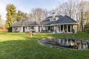 Bekijk woning te huur in Bunde Dennenberg, € 3000, 315m2 - 366682. Geïnteresseerd? Bekijk dan deze woning en laat een bericht achter!