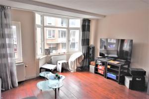 Bekijk appartement te huur in Den Haag Gedempte Burgwal, € 999, 50m2 - 376667. Geïnteresseerd? Bekijk dan deze appartement en laat een bericht achter!