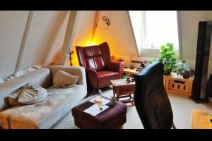 Bekijk studio te huur in Deventer Tibbensteeg, € 350, 30m2 - 296510. Geïnteresseerd? Bekijk dan deze studio en laat een bericht achter!