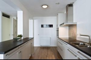 Bekijk appartement te huur in Amsterdam Loosduinenstraat, € 1850, 105m2 - 287969. Geïnteresseerd? Bekijk dan deze appartement en laat een bericht achter!