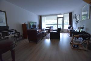 Bekijk appartement te huur in Geldrop Waleweinlaan, € 850, 116m2 - 370005. Geïnteresseerd? Bekijk dan deze appartement en laat een bericht achter!