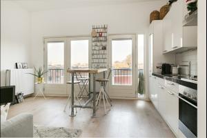 Bekijk appartement te huur in Utrecht Poortstraat, € 1495, 54m2 - 289908. Geïnteresseerd? Bekijk dan deze appartement en laat een bericht achter!