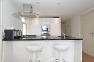 Bekijk appartement te huur in Amsterdam Brouwersgracht, € 2150, 80m2 - 291727. Geïnteresseerd? Bekijk dan deze appartement en laat een bericht achter!