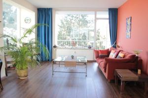 Bekijk appartement te huur in Leiden Jacob van Campenlaan, € 1100, 110m2 - 299090. Geïnteresseerd? Bekijk dan deze appartement en laat een bericht achter!