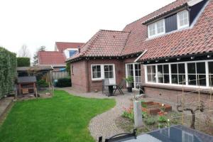 Bekijk woning te huur in Enschede P. Broekheurne, € 1650, 204m2 - 346056. Geïnteresseerd? Bekijk dan deze woning en laat een bericht achter!