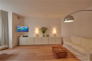 Bekijk appartement te huur in Amsterdam Achillesstraat, € 1750, 75m2 - 356516. Geïnteresseerd? Bekijk dan deze appartement en laat een bericht achter!