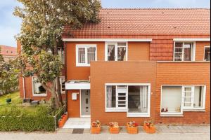 Bekijk woning te huur in Almere Norgstraat, € 1250, 120m2 - 290807. Geïnteresseerd? Bekijk dan deze woning en laat een bericht achter!