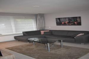 Bekijk woning te huur in Eindhoven Baarle Hertoglaan, € 1600, 150m2 - 372999. Geïnteresseerd? Bekijk dan deze woning en laat een bericht achter!