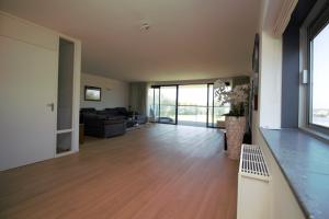 Bekijk appartement te huur in Almere Noorderplassenweg, € 2250, 157m2 - 343837. Geïnteresseerd? Bekijk dan deze appartement en laat een bericht achter!