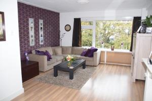 Bekijk appartement te huur in Schiedam Julianalaan, € 1275, 130m2 - 298021. Geïnteresseerd? Bekijk dan deze appartement en laat een bericht achter!