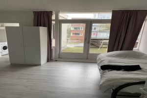 View apartment for rent in Dordrecht Sluisweg, € 1350, 50m2 - 377577. Interested? check out this apartment and leave a message!