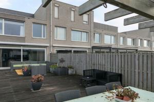 Bekijk woning te huur in Rosmalen D.G. Rede, € 1399, 180m2 - 358584. Geïnteresseerd? Bekijk dan deze woning en laat een bericht achter!