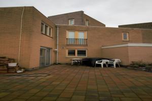 Bekijk woning te huur in Almere L. Roggeveenstraat, € 2750, 150m2 - 356938. Geïnteresseerd? Bekijk dan deze woning en laat een bericht achter!