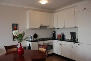 Bekijk appartement te huur in Den Haag Frederikstraat, € 1300, 60m2 - 359400. Geïnteresseerd? Bekijk dan deze appartement en laat een bericht achter!
