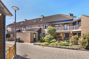 Bekijk woning te huur in Hoogvliet Rotterdam Leeuwerik, € 925, 106m2 - 370609. Geïnteresseerd? Bekijk dan deze woning en laat een bericht achter!