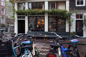 Bekijk studio te huur in Amsterdam Bloemstraat, € 1395, 30m2 - 350175. Geïnteresseerd? Bekijk dan deze studio en laat een bericht achter!