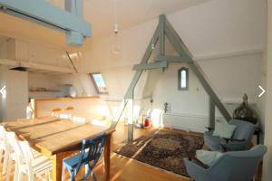 Bekijk appartement te huur in Den Haag Copernicuslaan, € 1900, 148m2 - 384971. Geïnteresseerd? Bekijk dan deze appartement en laat een bericht achter!