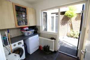 View house for rent in Enschede Vanekerstraat, € 1100, 120m2 - 366906. Interested? check out this house and leave a message!