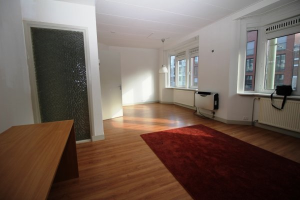View room for rent in Den Haag Torenstraat, € 600, 21m2 - 372993. Interested? check out this room and leave a message!