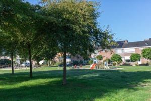 Bekijk woning te huur in Almelo J.v. Deinselaan: Woning - € 895, 97m2 - 352842