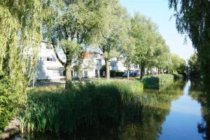 Bekijk woning te huur in Amstelveen A.v. Schendelsingel, € 2750, 175m2 - 346403. Geïnteresseerd? Bekijk dan deze woning en laat een bericht achter!