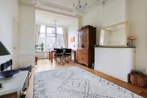 Bekijk appartement te huur in Den Haag Regentesseplein, € 2500, 210m2 - 370588. Geïnteresseerd? Bekijk dan deze appartement en laat een bericht achter!