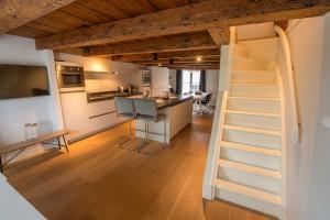 Bekijk appartement te huur in Amsterdam Singel, € 3450, 120m2 - 351234. Geïnteresseerd? Bekijk dan deze appartement en laat een bericht achter!
