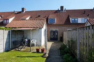 For rent: House P.C.Hooftstraat, Bergen Op Zoom - 1