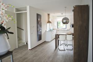 Bekijk woning te huur in Wijchen Hoefsetuin: Ruime tussenwoning per direct beschikbaar. - € 965, 116m2 - 324122