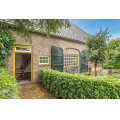 View house for rent in Heeswijk-Dinther Heibloemsedijk, € 1300, 197m2 - 376927. Interested? check out this house and leave a message!