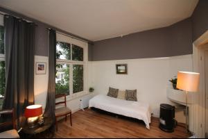 Bekijk studio te huur in Amsterdam Keizersgracht, € 1075, 45m2 - 327411. Geïnteresseerd? Bekijk dan deze studio en laat een bericht achter!