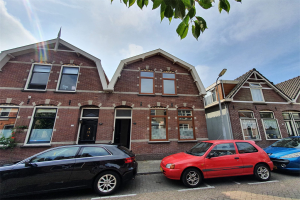 View house for rent in Zaandam Ooievaarstraat, € 1400, 108m2 - 394140. Interested? check out this house and leave a message!