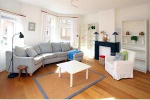 Bekijk appartement te huur in Den Haag Joan Maetsuyckerstraat, € 1250, 85m2 - 388003. Geïnteresseerd? Bekijk dan deze appartement en laat een bericht achter!