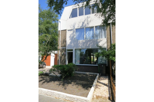 Bekijk woning te huur in Amstelveen Bourgondischelaan, € 3950, 160m2 - 292459. Geïnteresseerd? Bekijk dan deze woning en laat een bericht achter!