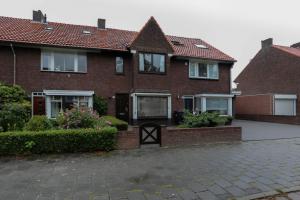 Bekijk woning te huur in Eindhoven Heezerweg, € 1250, 135m2 - 339224. Geïnteresseerd? Bekijk dan deze woning en laat een bericht achter!