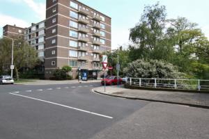 Bekijk appartement te huur in Den Haag H. Nibbrigkade, € 995, 52m2 - 347013. Geïnteresseerd? Bekijk dan deze appartement en laat een bericht achter!
