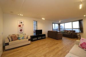 Bekijk appartement te huur in Rotterdam Bulgersteyn, € 1695, 98m2 - 385752. Geïnteresseerd? Bekijk dan deze appartement en laat een bericht achter!