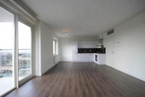 Bekijk appartement te huur in Den Haag Waldorpstraat, € 1226, 77m2 - 382690. Geïnteresseerd? Bekijk dan deze appartement en laat een bericht achter!