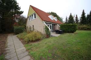 View house for rent in Vlagtwedde De Vennen, € 800, 85m2 - 371501. Interested? check out this house and leave a message!