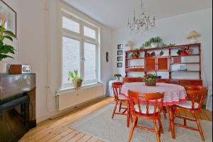 Bekijk appartement te huur in Amersfoort Westsingel, € 1500, 90m2 - 282540. Geïnteresseerd? Bekijk dan deze appartement en laat een bericht achter!