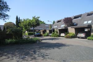 Bekijk woning te huur in Hilversum Van der Zaenlaan, € 1750, 150m2 - 343064. Geïnteresseerd? Bekijk dan deze woning en laat een bericht achter!
