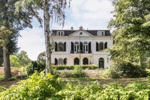 Bekijk appartement te huur in Zeist Driebergseweg, € 1350, 140m2 - 351293. Geïnteresseerd? Bekijk dan deze appartement en laat een bericht achter!